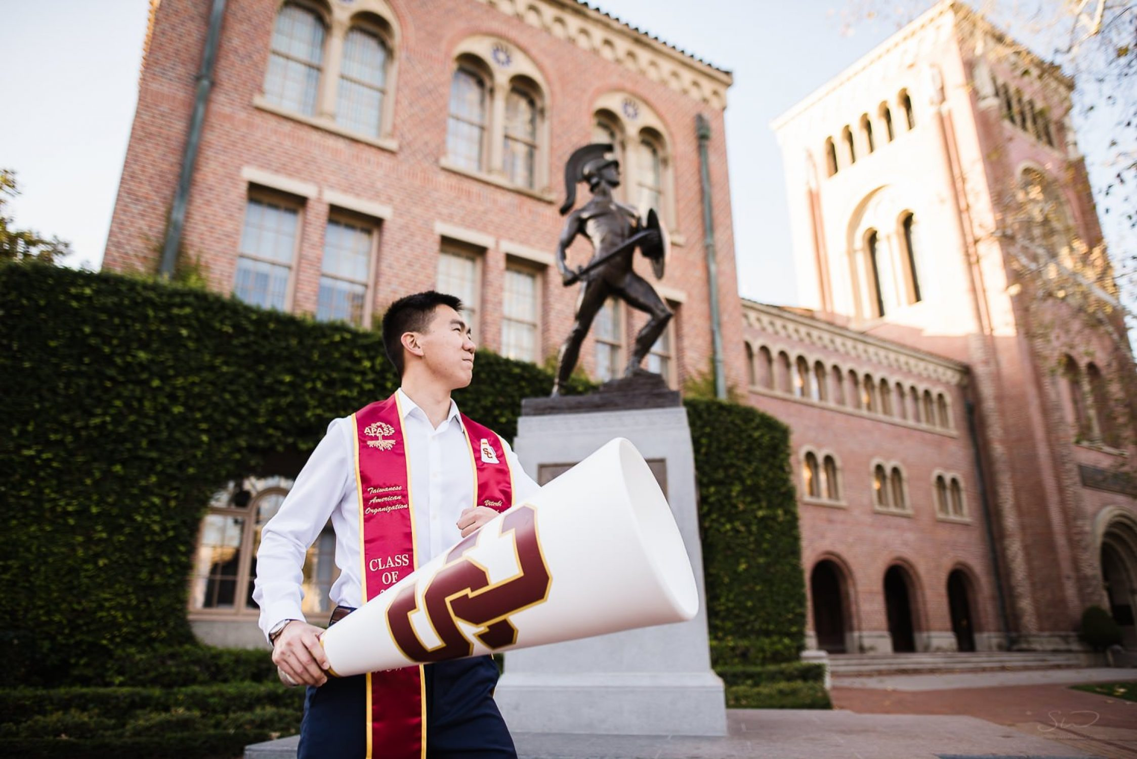 usc graduation senior portraits spirit team los angeles